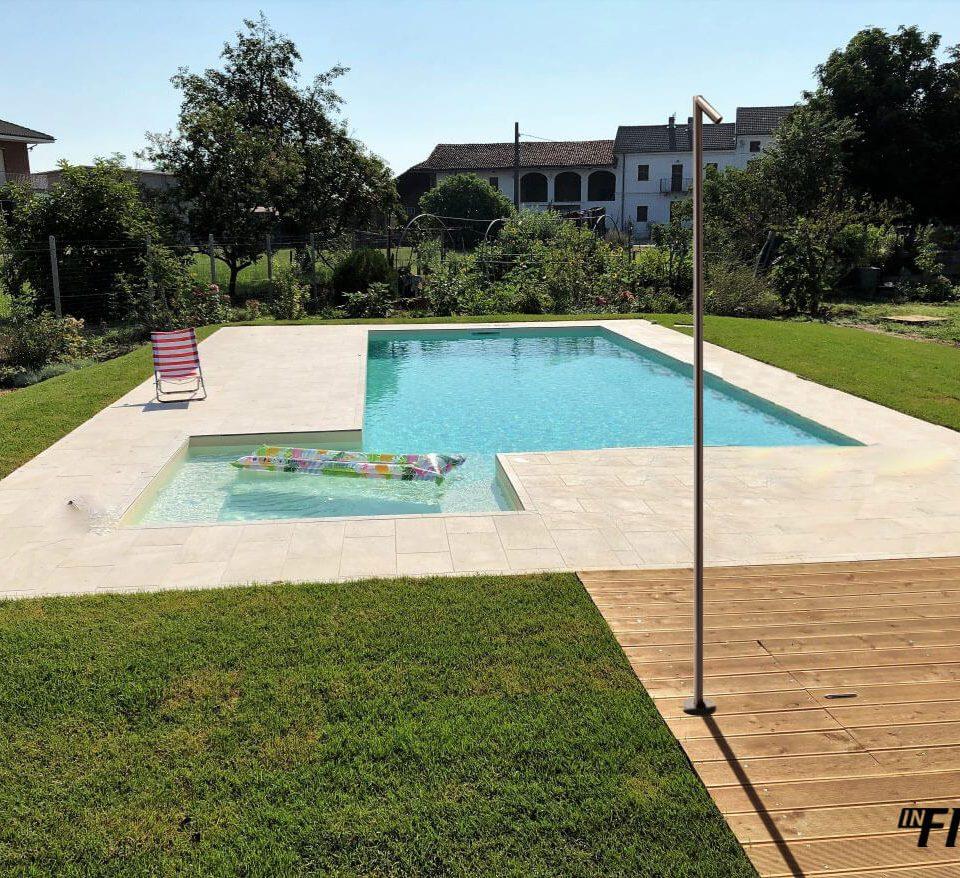Installazione colonna doccia inFINE a bordo piscina