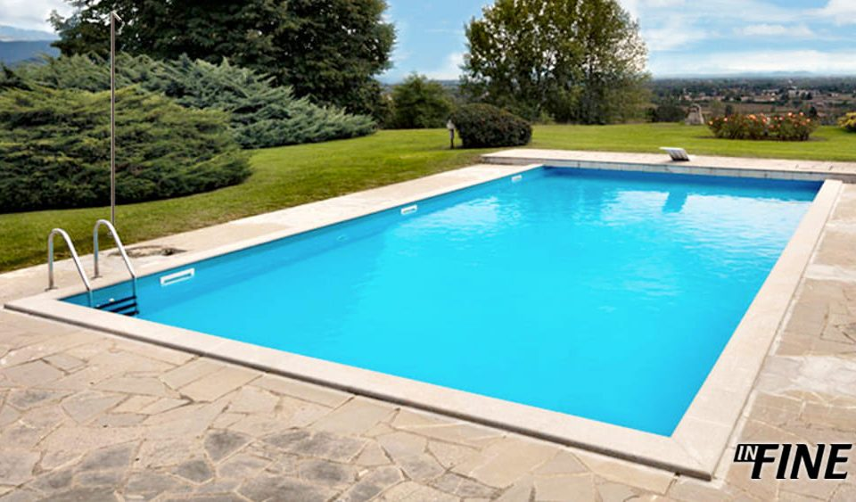 Installazione colonna doccia inFINE nei pressi di Arona - Lago Maggiore - bordo piscina - colonna doccia removibile